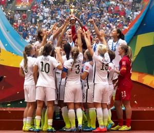 US Team feiert den Weltmeistertitel © Uta Zorn