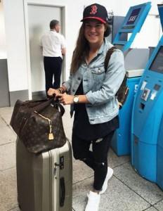 "Ramona Bachmann - heute vom Flughafen gepostet: ""On the way to Wolfsburg. looking forward to meet the team very soon"" - Foto: Instagram"