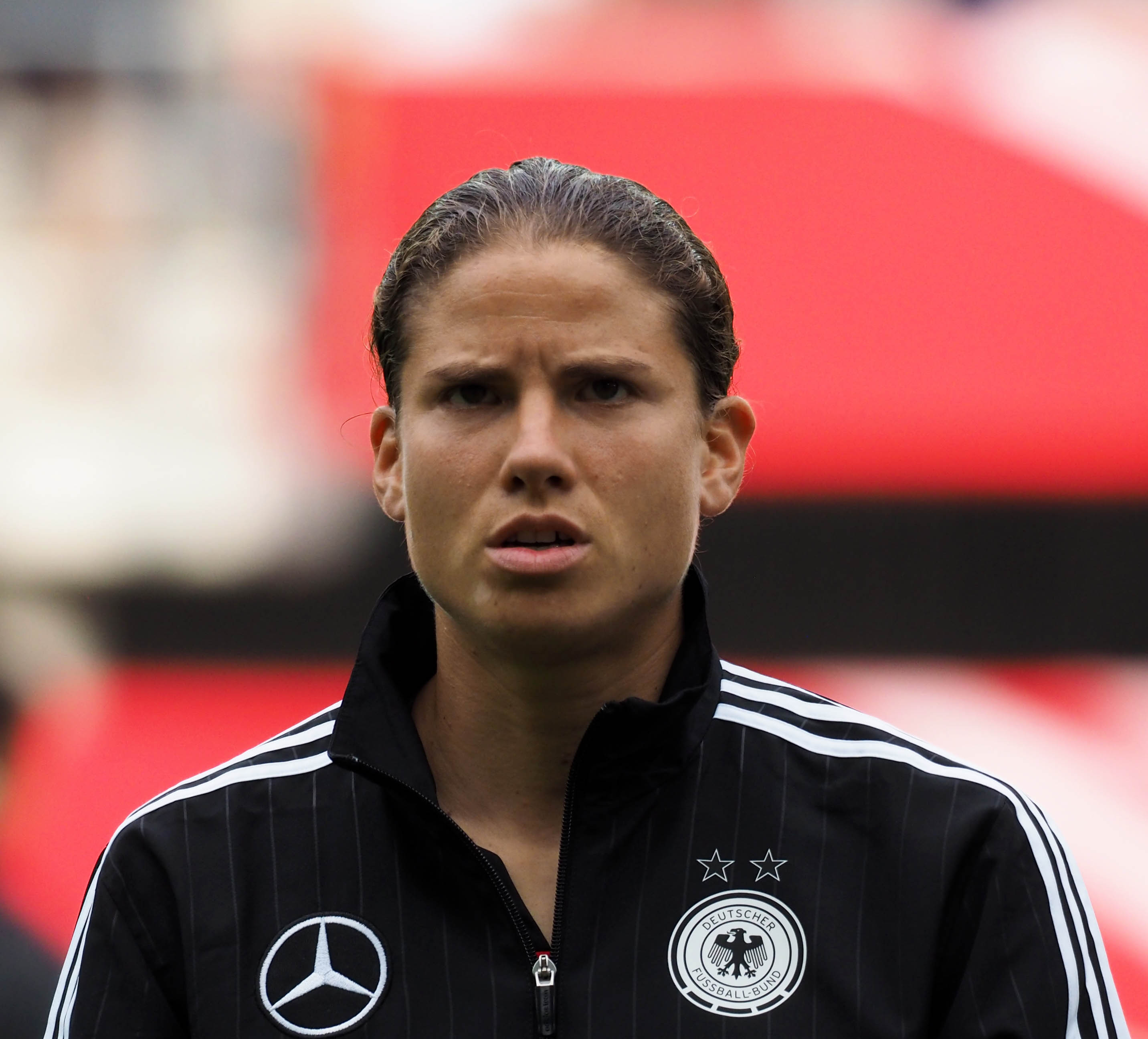 Olympiasiegerin Annike Krahn hält in Leverkusen die Abwehr zusammen - Foto: Uta Zorn