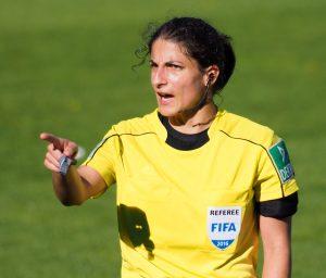 Schiedsrichterin Riem Hussein - Foto: Uta Zorn